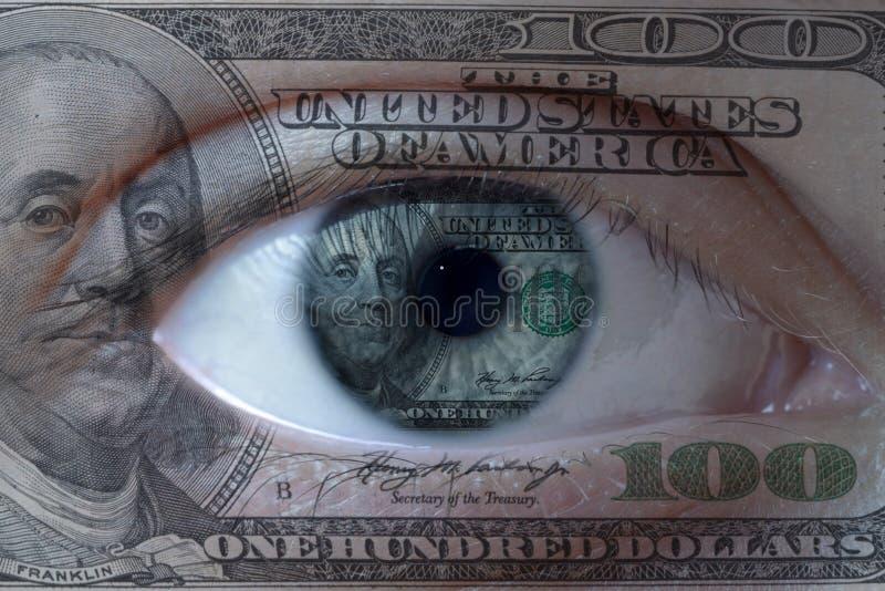Rosto humano pintado com cem notas de dólar fotografia de stock royalty free