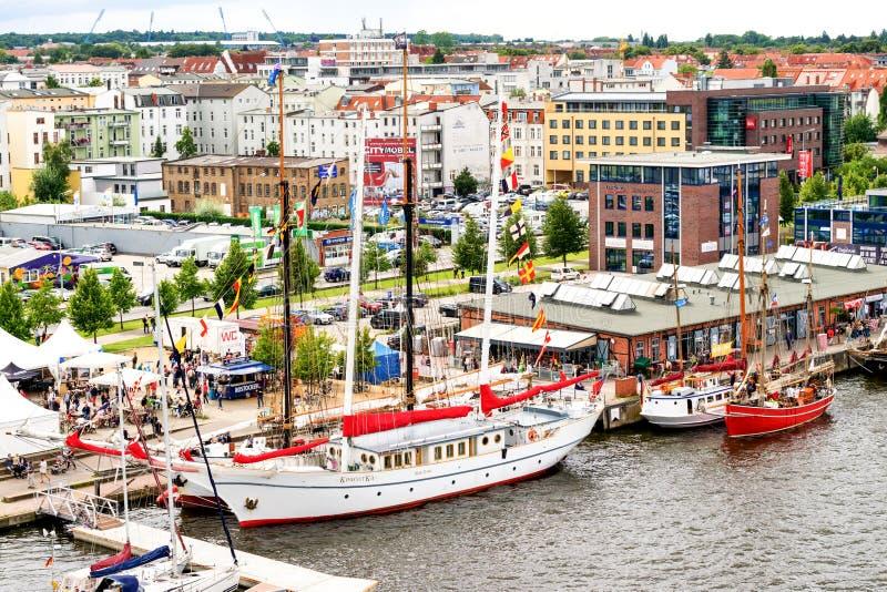 Rostock, Deutschland - August 2016: Segelschiff auf Hanse-Segel lizenzfreies stockbild