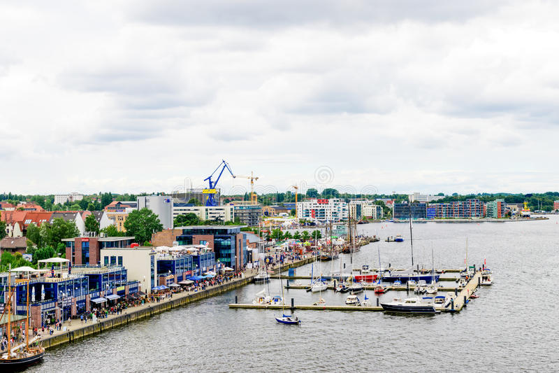 Rostock, Deutschland - August 2016: Segelschiff auf Hanse-Segel lizenzfreie stockfotos
