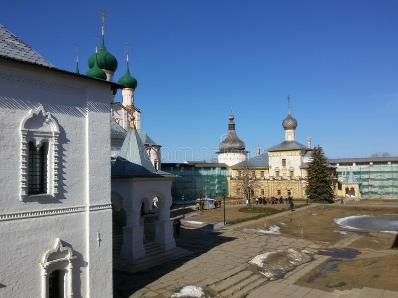 Rostov el gran Kremlin en el invierno, anillo de oro, región de Yaroslavl, Rusia imagenes de archivo