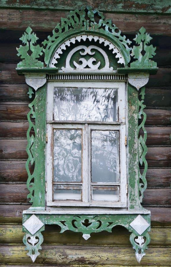 Rostov il grande Finestra con gli architravi scolpiti immagini stock libere da diritti