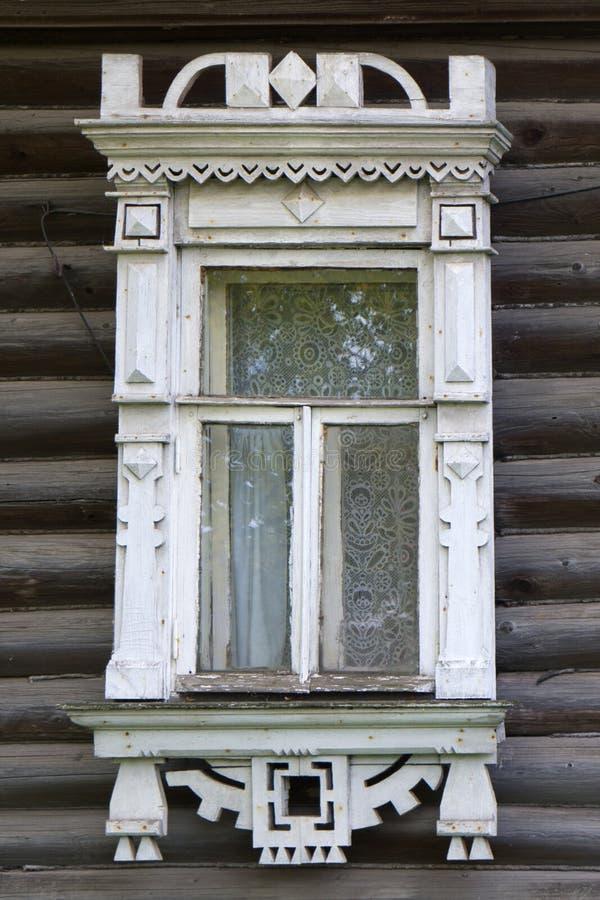 Rostov il grande Finestra con gli architravi scolpiti fotografia stock