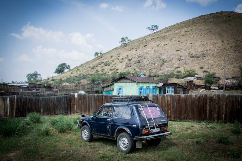 Rosyjski samochód w dworcu zdjęcie stock