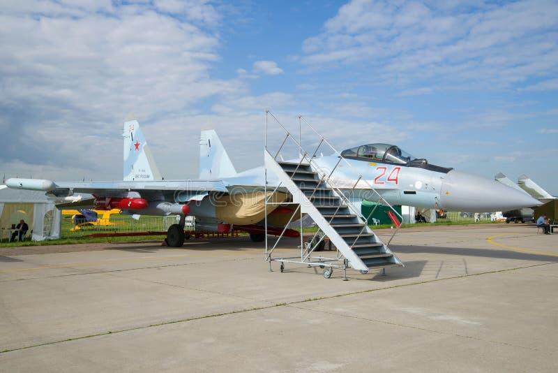 Rosyjski zamierza maneuverable Su-35 wojownika na MAKS-2017 pokazie lotniczym zdjęcia royalty free
