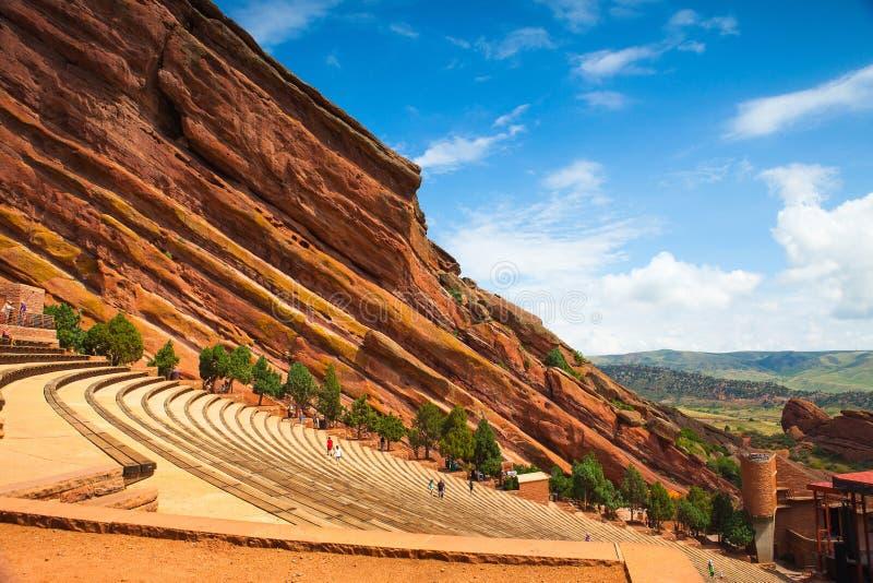 Rot schaukelt Amphitheater stockbild