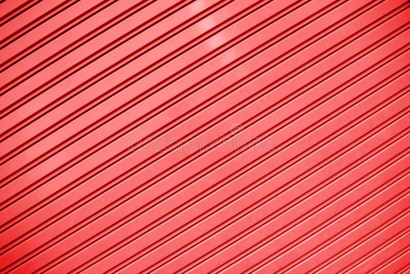 Rot streift Blechtafelwand-Beschaffenheitshintergrund stockfotos