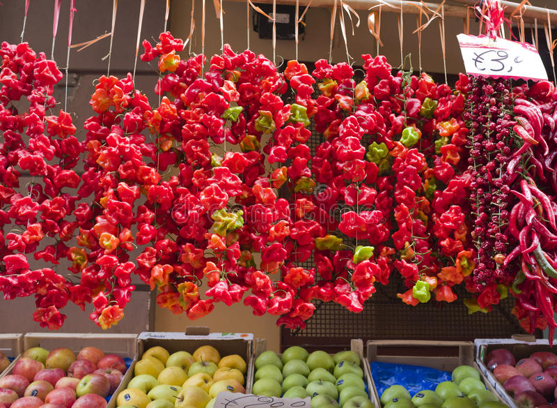 Rot und Paprika-Pfeffer, Sorrento, Italien lizenzfreies stockbild