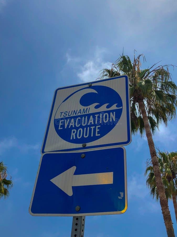 A rota da evacuação do tsunami assina dentro Venice Beach imagem de stock