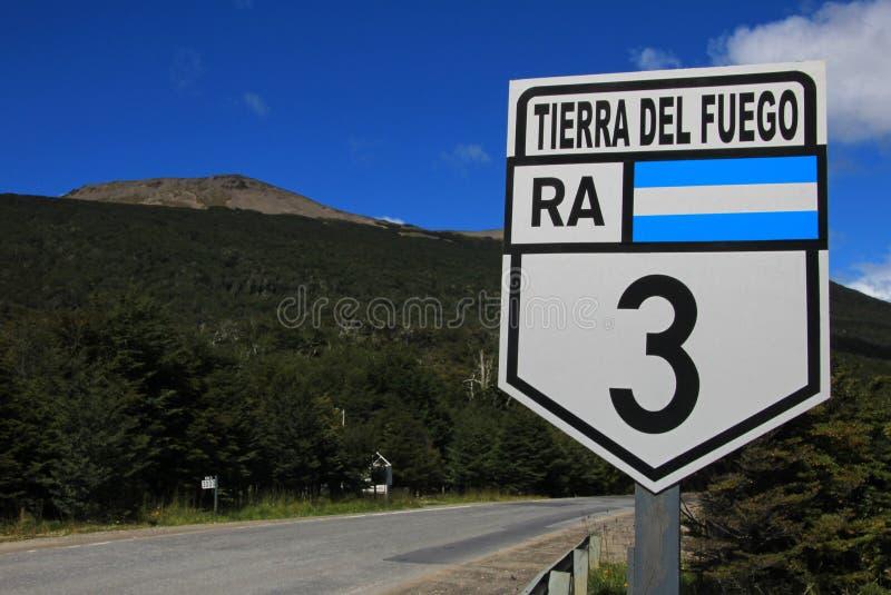 Rota 3 do ruta do sinal de estrada, Tolhuin perto de Ushuaia, Tierra Del Fuego, Patagonia, Argentina fotografia de stock royalty free