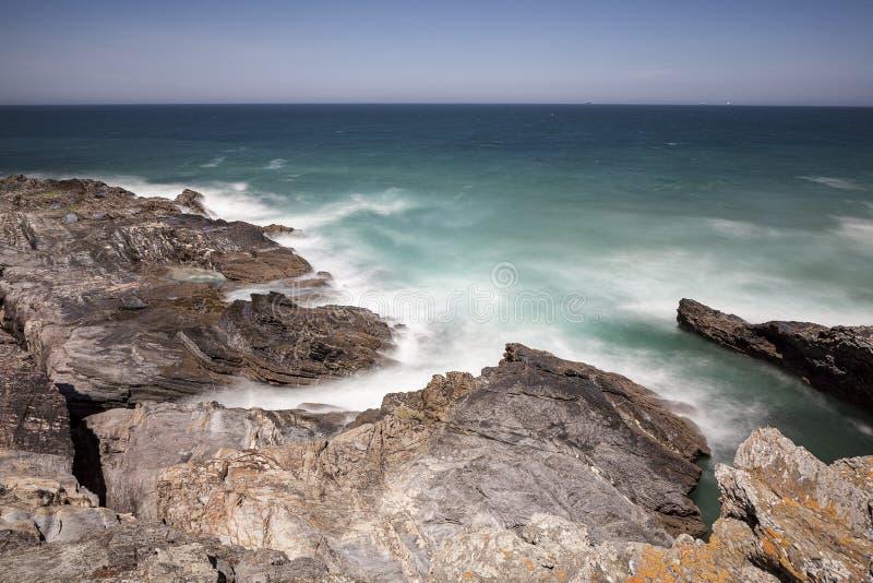 Rota dos pescadores, situada no sudoeste de Portugal, com seus formações de rocha e mar cristalino imagem de stock royalty free