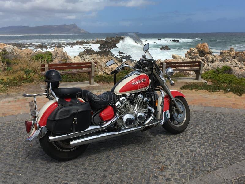 Rota em uma bicicleta, estrada do jardim perto do pico de Chapman, África do Sul fotografia de stock
