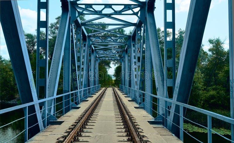 Rotaie ed elementi ferroviari del ponte immagine stock libera da diritti