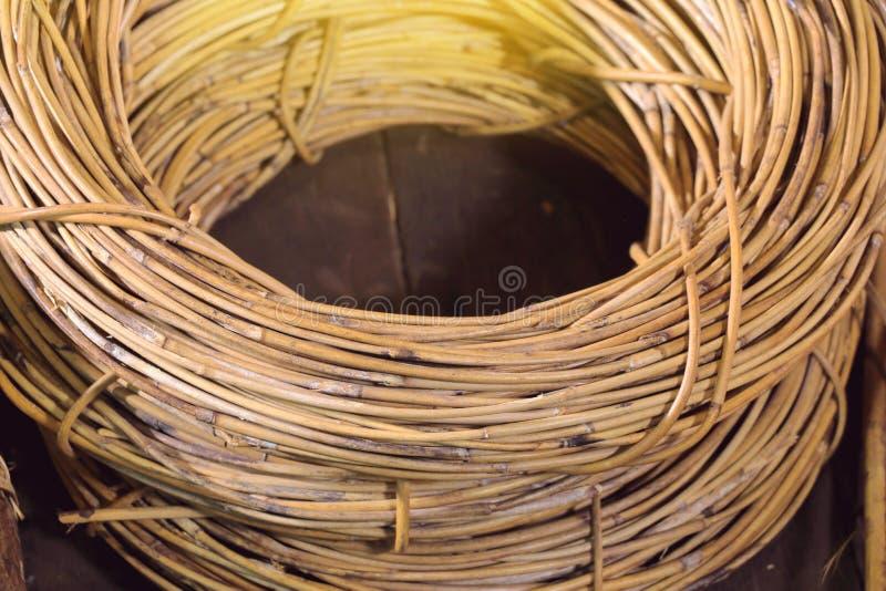 Rotan, materialen worden gebruikt om mand of meubilair te maken dat stock afbeelding