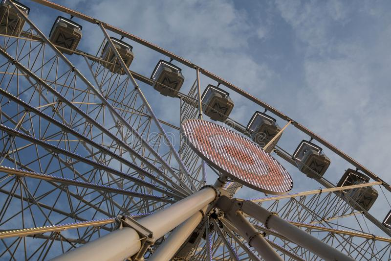 It rotates at the end of the day panning. The great wheel photographed panning pours the end day in the city of Viareggio Italia stock images