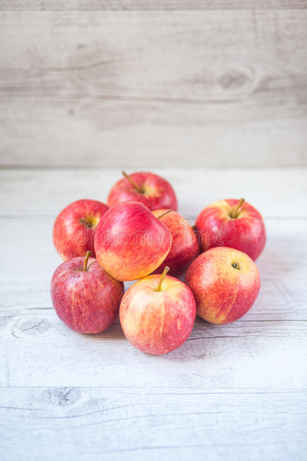 Rote Äpfel lizenzfreies stockbild