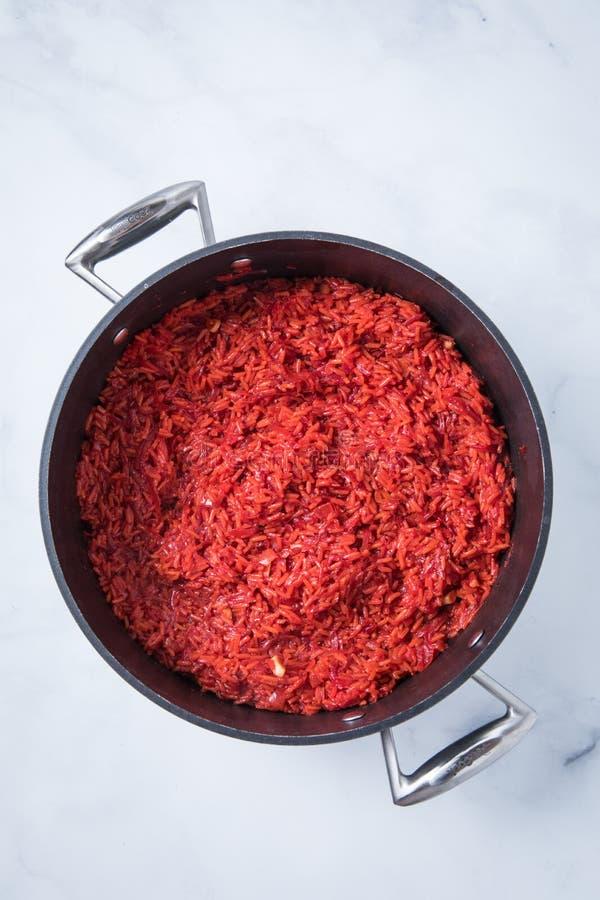 Rote-Bete-Wurzeln Reis-Rezept lizenzfreie stockfotos