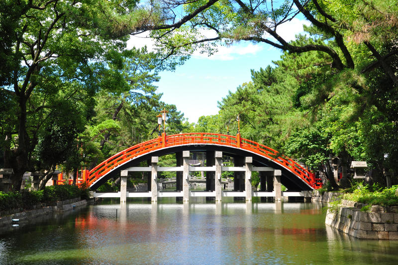 Rote Brücke bei Sumiyoshi Taisha stockfotos