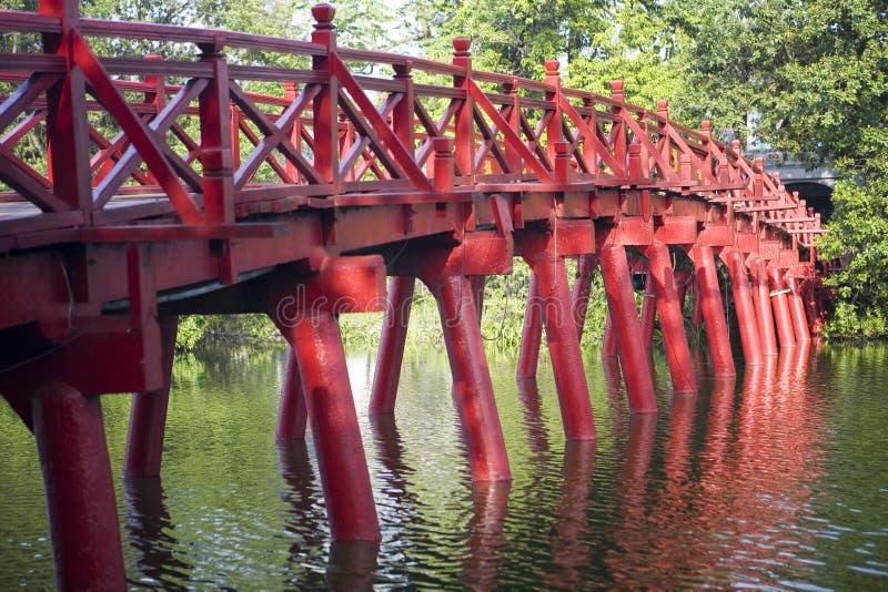 Rote Brücke in Hanoi lizenzfreies stockfoto