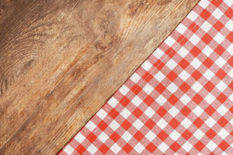 Rote checkered Tischdecke lizenzfreies stockbild