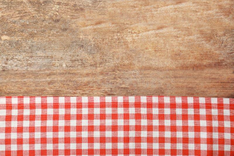 Rote checkered Tischdecke lizenzfreie stockfotografie