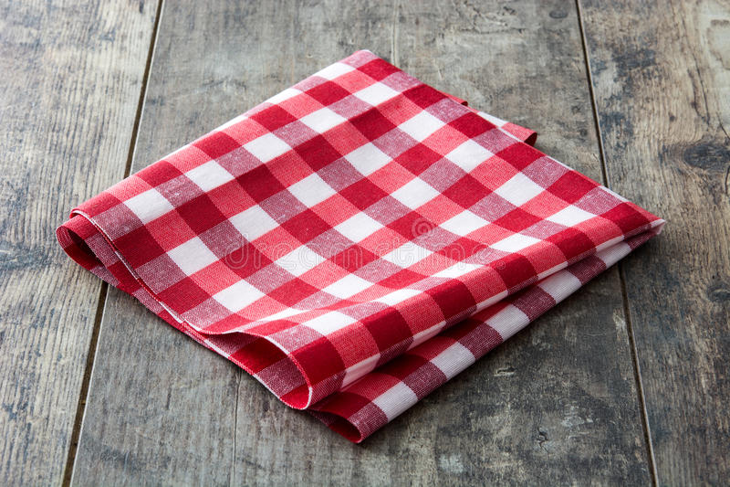Rote checkered Tischdecke stockfotografie