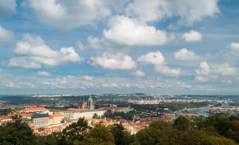 Rote Dächer in der Stadt Prag Prag #2 stockbild