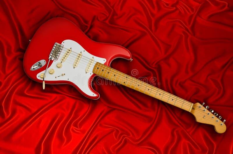 Rote elektrische Gitarre lizenzfreie stockfotografie