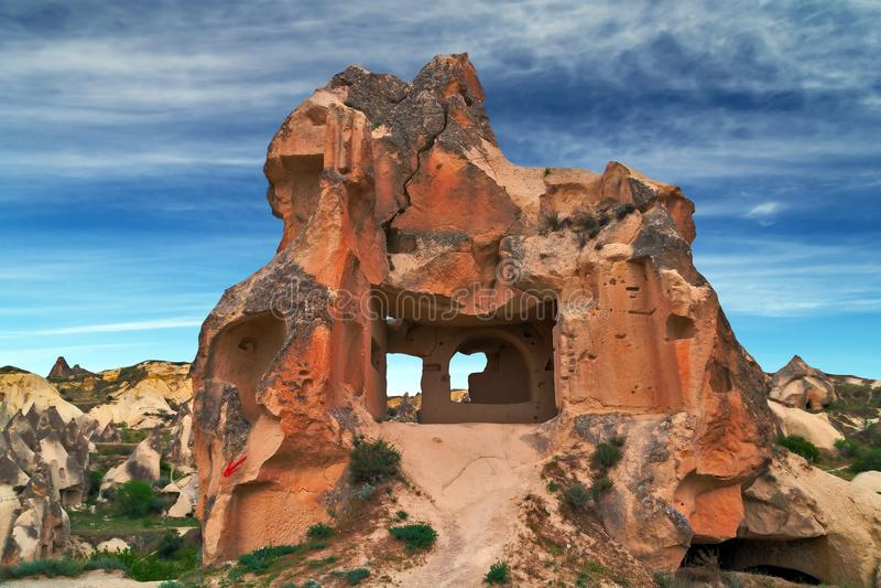 Rote Felsen Berglandschaft Goreme, Cappadocia, die Türkei lizenzfreies stockbild
