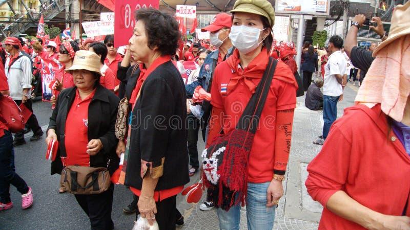 Rote Hemddemonstration lizenzfreie stockfotos
