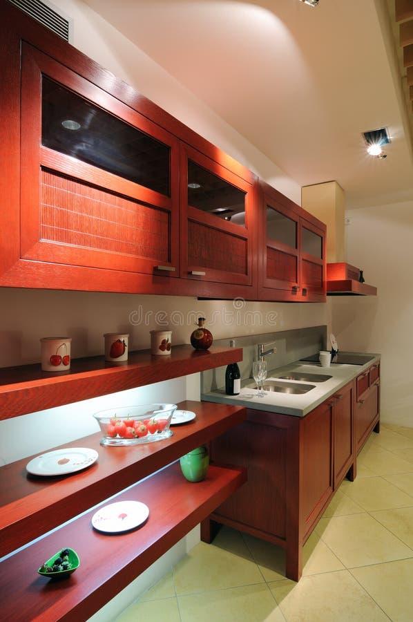 Rote Küche stockfoto