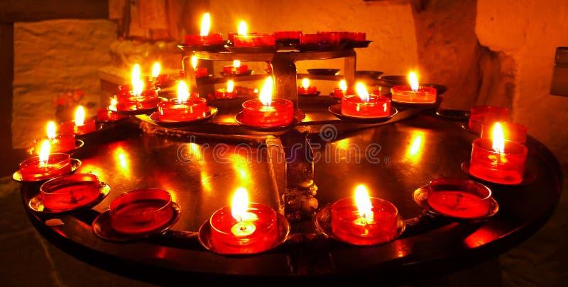 Rote Kerzen stockbild