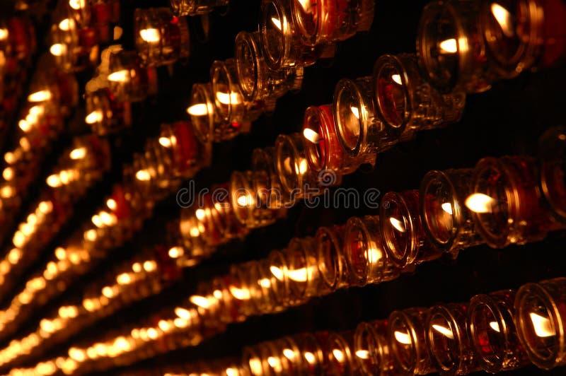 Rote Kerzen lizenzfreie stockfotografie