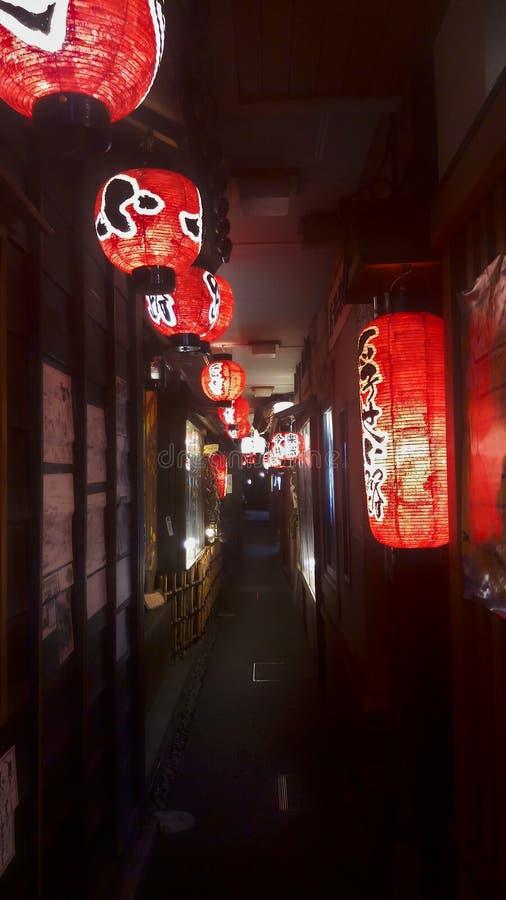 Rote Laternen in Japan stockbild