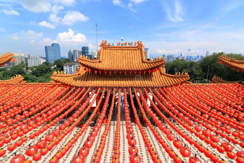 Rote Laternendekorationen an Tempel Thean Hou in Kuala Lumpur, Malaysia lizenzfreies stockfoto