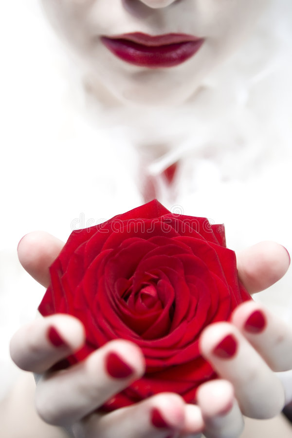 Rote Lippen, Nägel und stiegen stockfoto