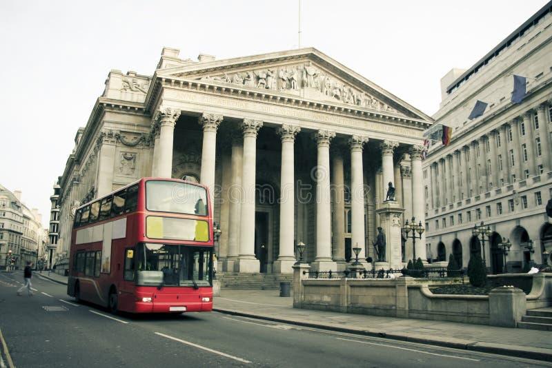 Rote London-Busstadtarchitektur Großbritannien lizenzfreies stockfoto