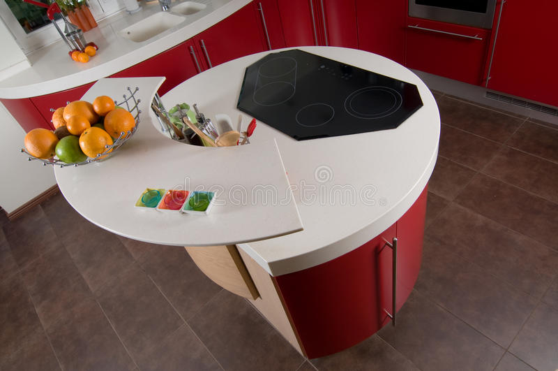 Rote moderne Küche stockfoto