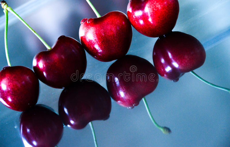 Rote Perlen lizenzfreies stockbild