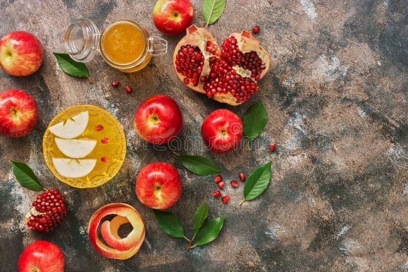 Rote ?pfel, Granatapfel und Honig Neues Jahr - Rosh Hashana Traditionelles j?disches Lebensmittel Draufsicht, Kopienraum, flache  stockfotografie