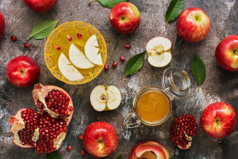Rote ?pfel, Granatapfel und Honig Neues Jahr - Rosh Hashana Traditionelles j?disches Lebensmittel Draufsicht, obenliegende, flach stockbild