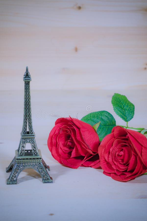 Rote Rose mit denkwürdigem Platz stockbild
