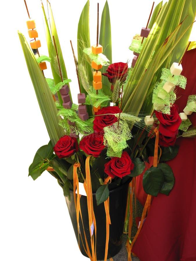 Rote Rosen für ein Geschenk lizenzfreie stockbilder