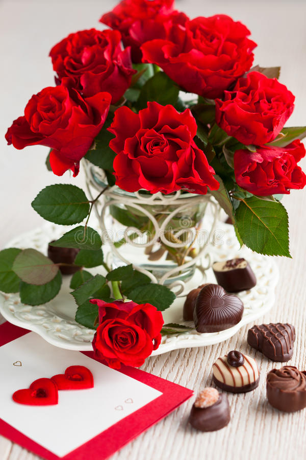 Download Rote Rosen Für Valentinstag Stockfoto   Bild: 28599040
