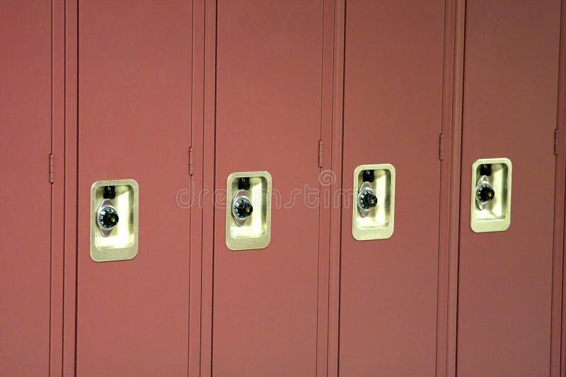 Rote Schulschließfächer Stockbilder