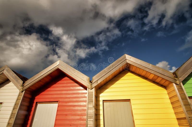 Rote U. Gelbe Strandhütten Stockfotografie