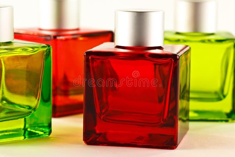 Rote und grüne Flaschen lizenzfreies stockfoto