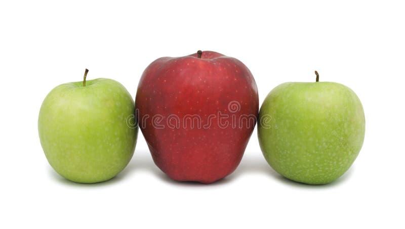 Rote und grüne reife Äpfel, getrennt lizenzfreies stockfoto