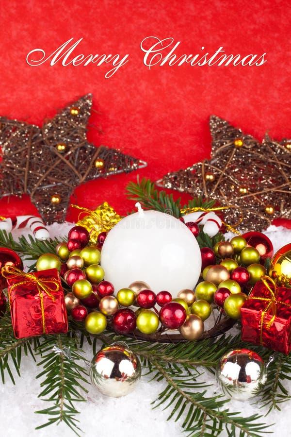 Download Rote Weihnachtsdekoration stockfoto. Bild von verziert - 12201418