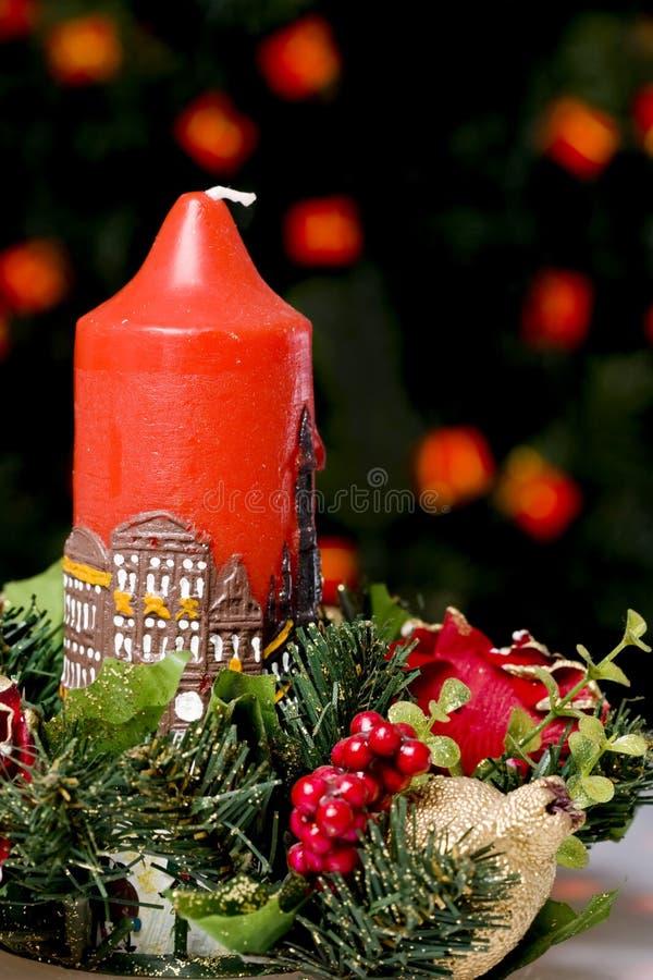 Rote Weihnachtskerze lizenzfreie stockfotografie
