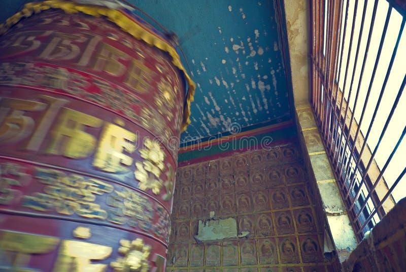 rotella del tibetano di preghiera immagini stock libere da diritti